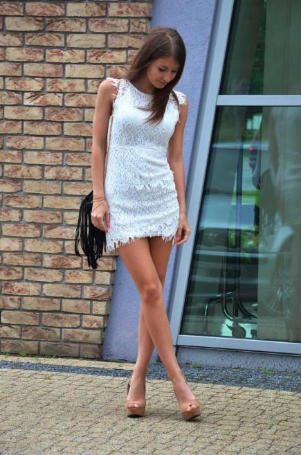 белое платье из гипюра