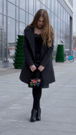 Комплект двубортное пальто и юбка-трапеция